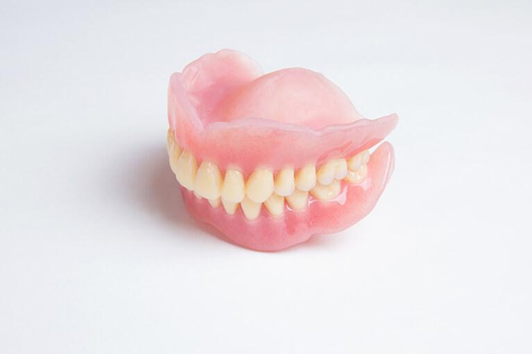 歯茎に優しい入れ歯「コンフォート義歯」